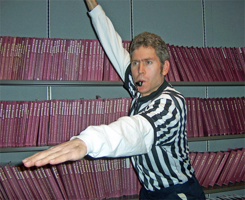 referee in action
