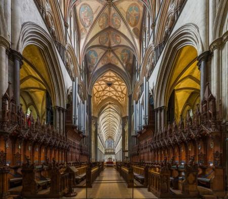 Salisbury Cathedral: elegant design