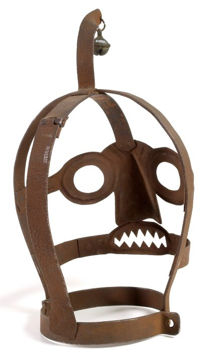 head cage (brank or bridle)